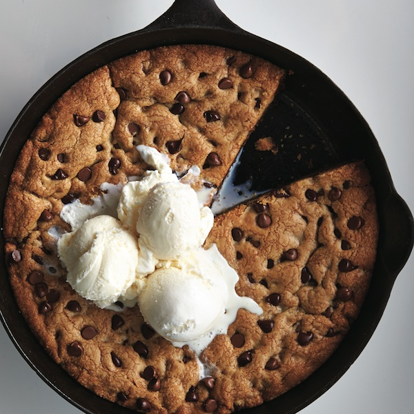 Cookie recipes: Skillet chocolate chip cookie