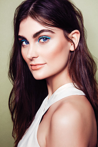 Yes, you can pull off blue eyeliner! Here's how