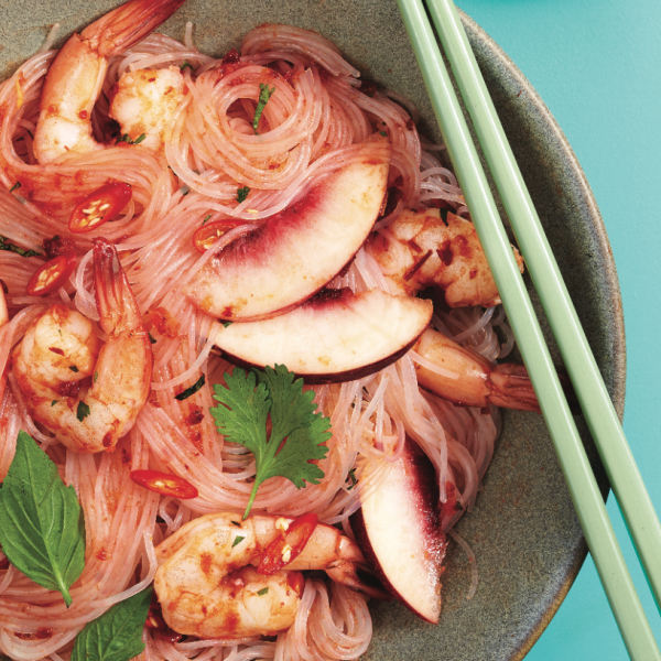 Cold noodles with shrimp and peaches