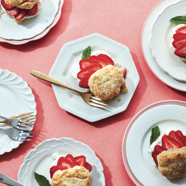The best strawberry shortcake with vanilla cream