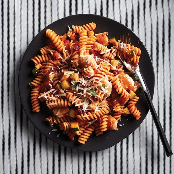 Chipotle and garlic chicken pasta - Chatelaine