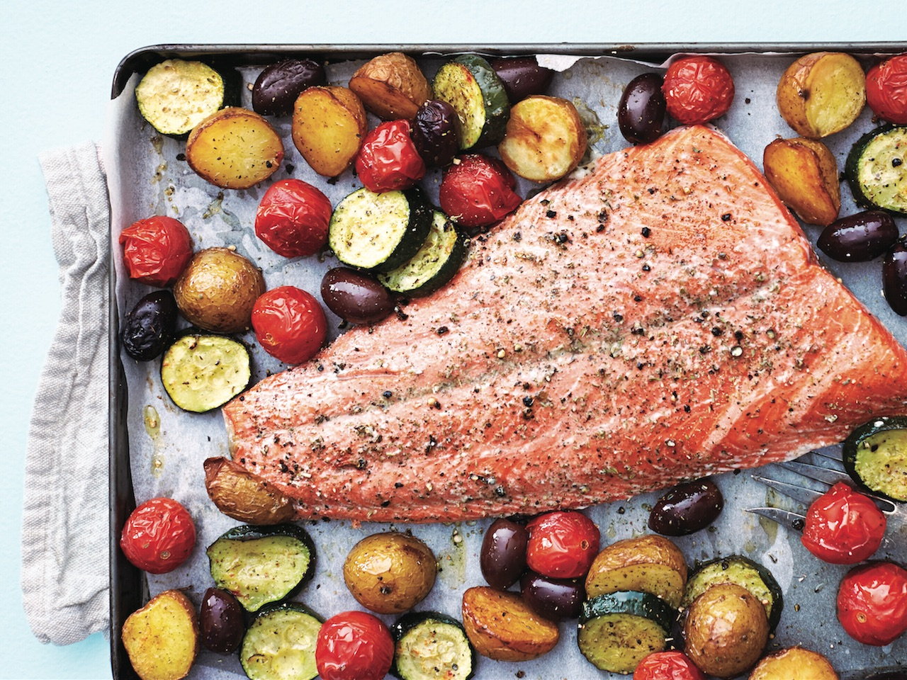 One-pan salmon with vegetables and herbs: Provencal pan salmon