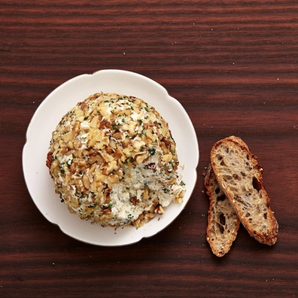 greek cheeseball recipe with feta and oregano