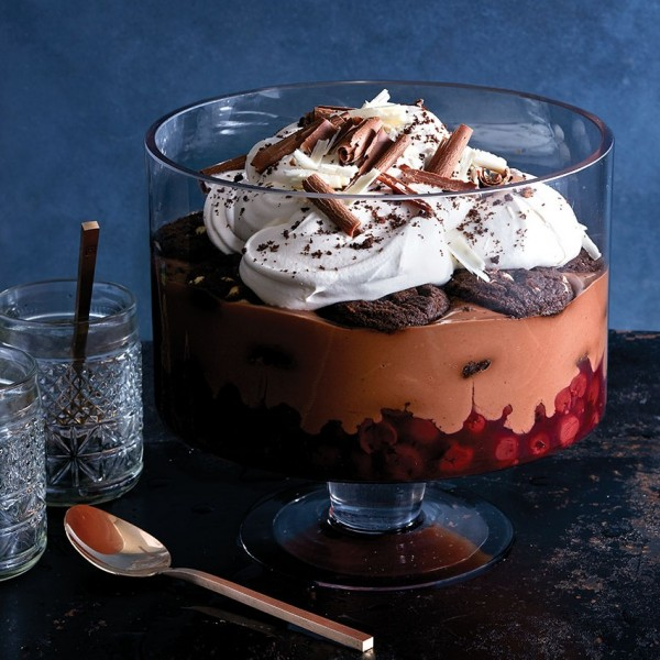 no-bake desserts: Black Forest Trifle with cherries