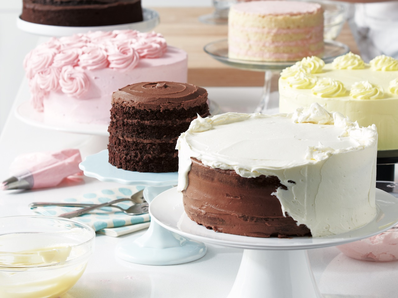 Colourful Cakes On Cake Stands Rules To Making The Perfect