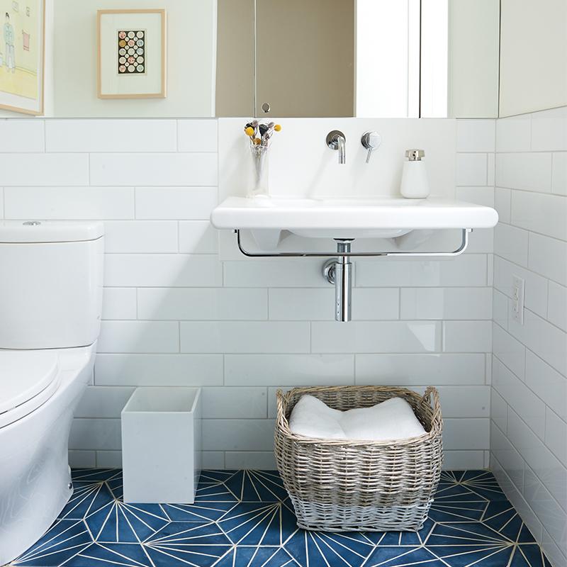 36. Decorative baskets  do wonders on the floor