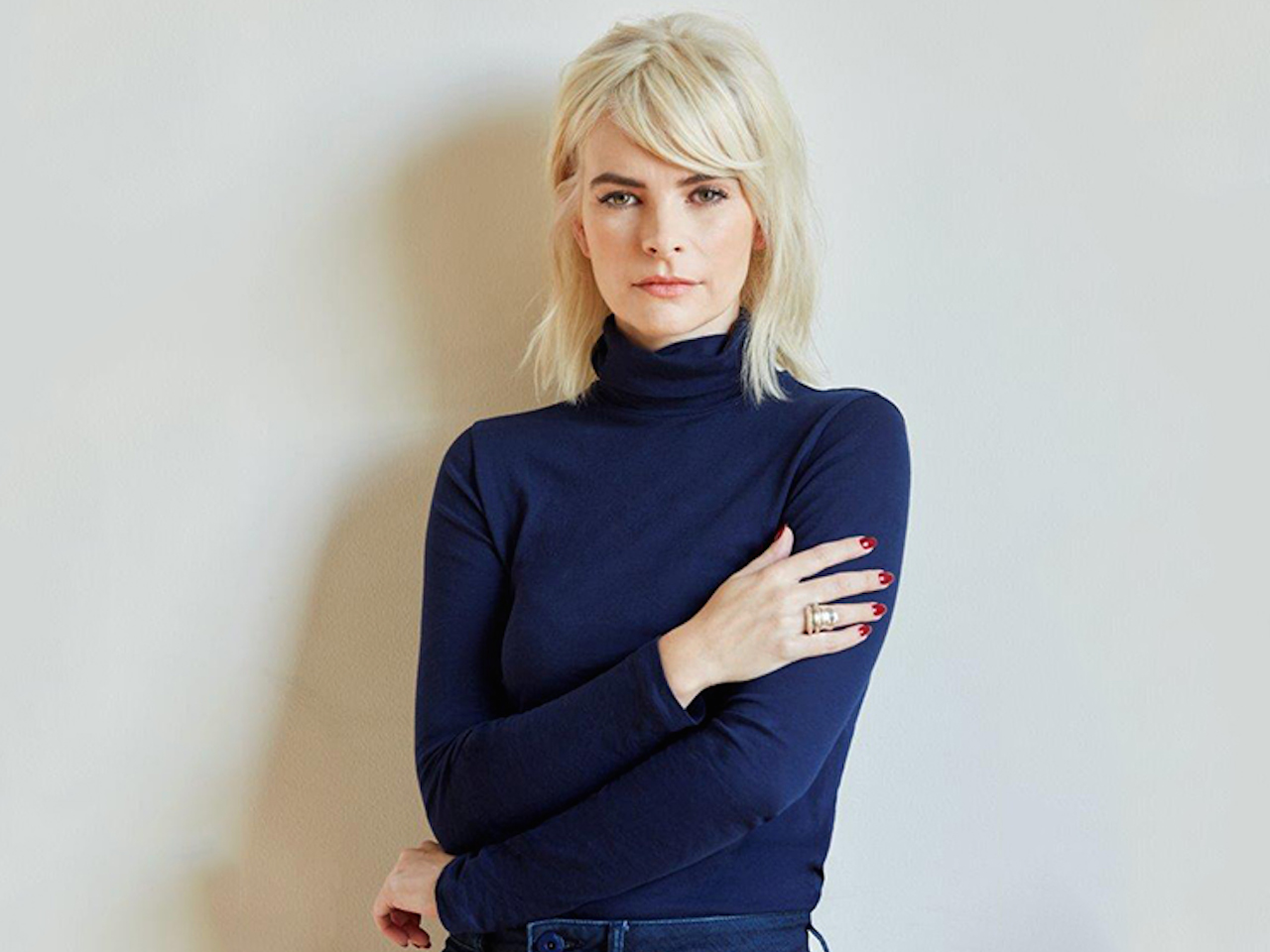 Kelly Oxford's new book: when you find out the world is against you