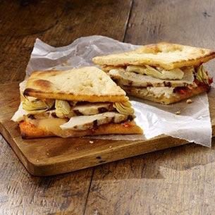 Starbucks food - Chicken Artichoke on Ancient Grain Flatbread