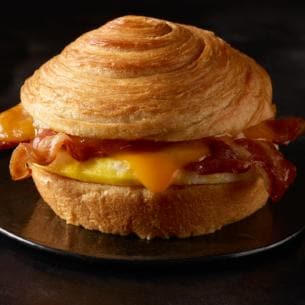 Starbucks food: double smoked bacon cheddar and egg sandwich