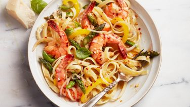 Healthy weeknight meals: shrimp primavera pasta with asparagus