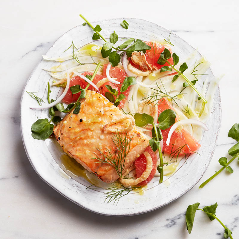Sweet and spicy glazed salmon with fennel and grapefruit salad