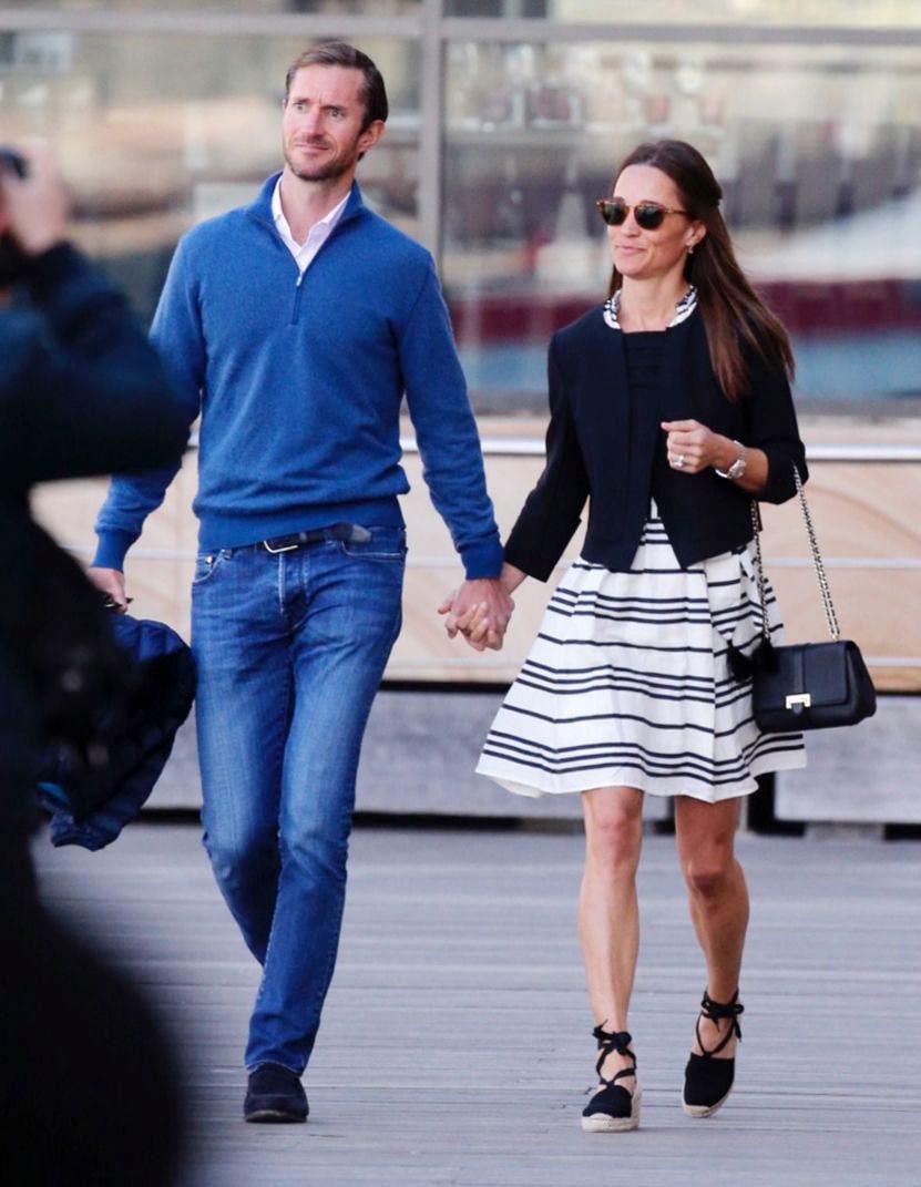 Pippa Middleton and James Matthews enjoying a stroll while on their honeymoon (Photo: John Grainger/Newspix/REX/Shutterstock)