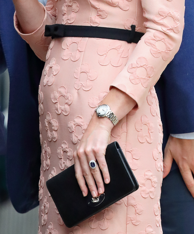 Kate Middleton nail polish colour: photo of kate middleton holding a purse
