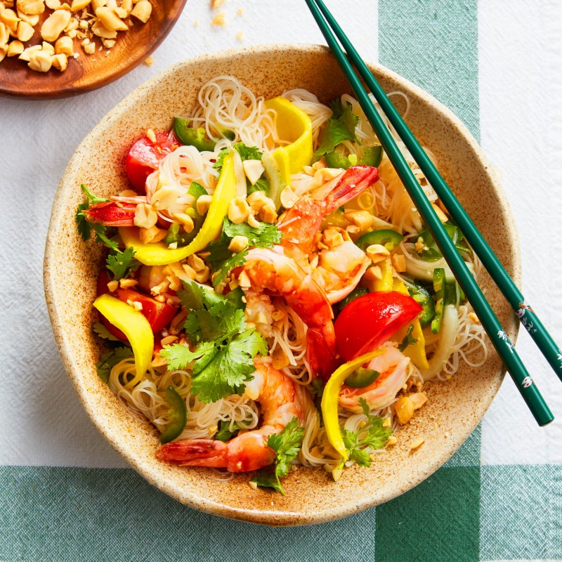Vietnamese shrimp salad with tomato and mango