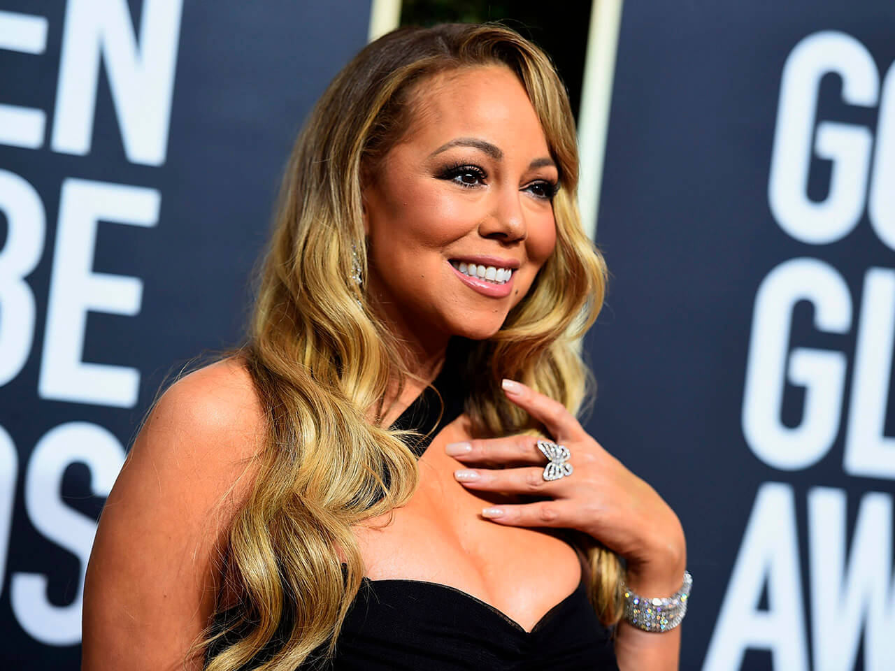 Image of mariah carey at award for for article on celebrities living with chronic illness