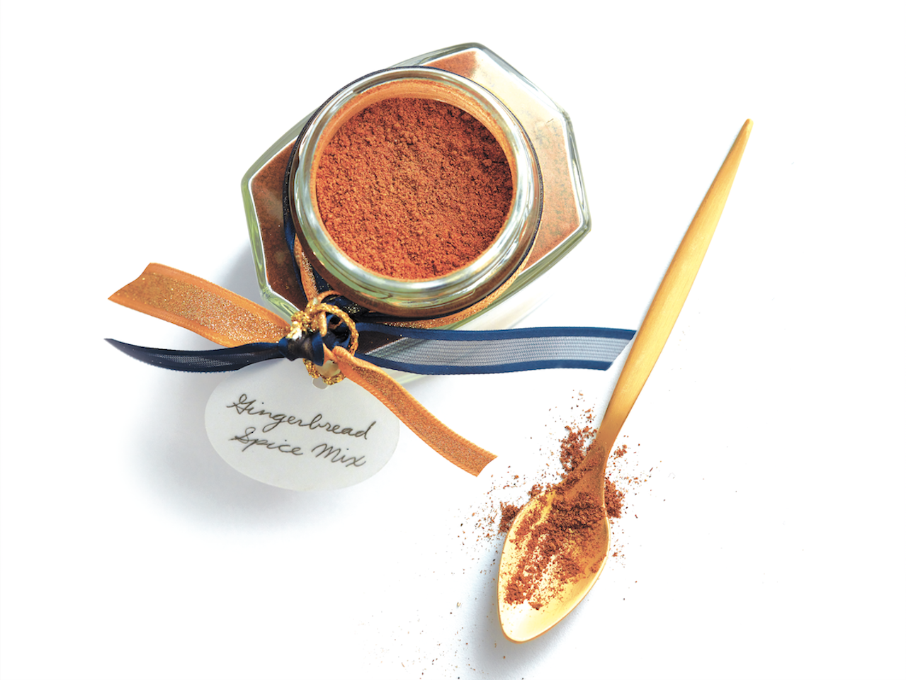 Gingerbread spice mix in a jar