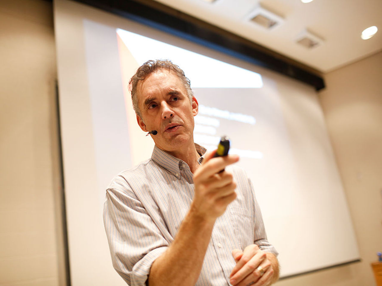 "Jordan Peterson during his lecture at UofT. Peterson is the professor at the centre of a media storm because of his public declaration that he will not use pronouns, such as ""they,"" to recognize non-binary genders . This lecture had no reference to the hot topic. (Rene Johnston/Toronto Star via Getty Images)"