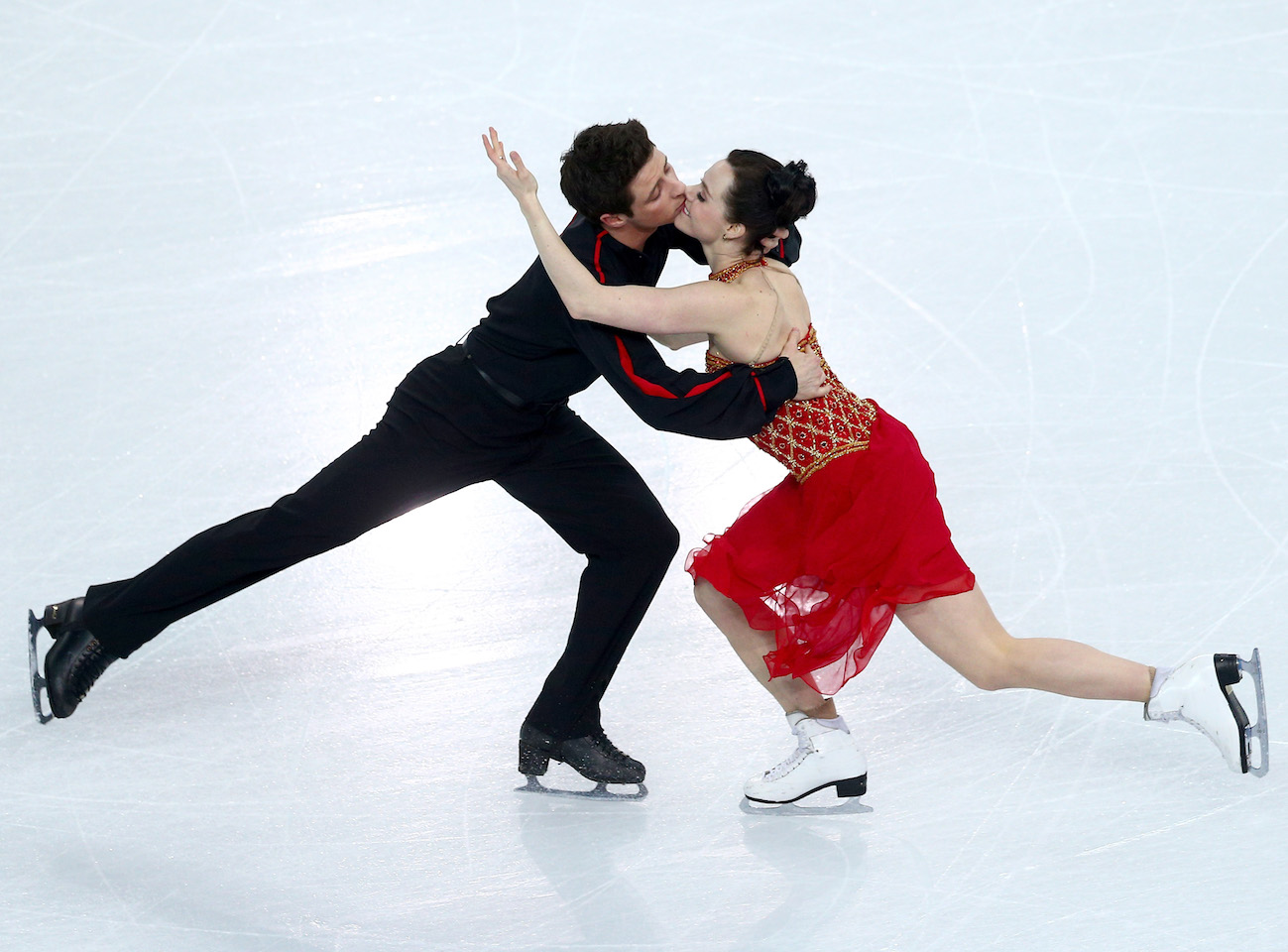 Are Scott and Tessa dating? These are the hottest photos of Canadian ice dancers Tessa Virtue and Canada's Scott Moir