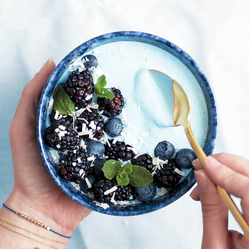 Tropical Blue Majik smoothie bowl