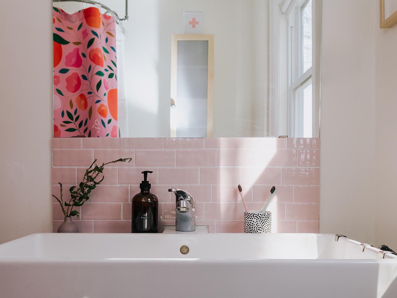 Small Bathroom Ideas Genius Updates On A Budget Chatelaine