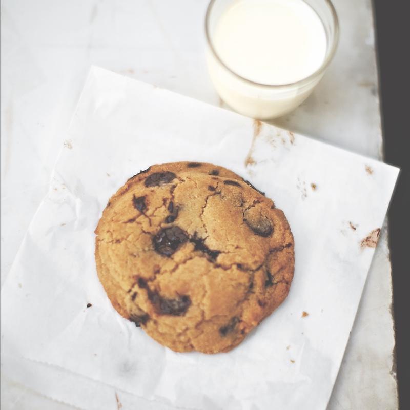 Violet Bakery's egg yolk chocolate chip cookies