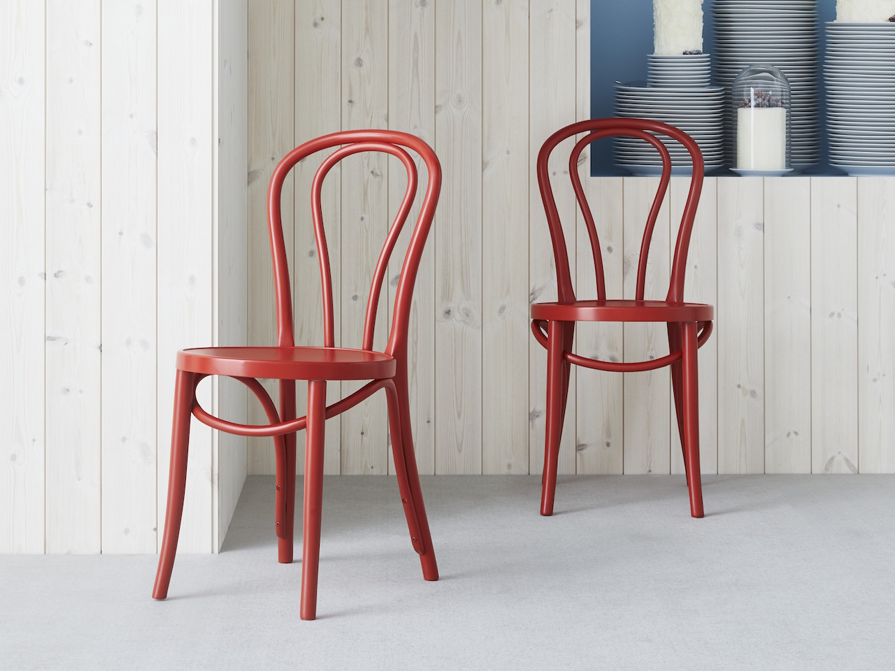 Entryway front hall decor ideas-two red IKEA chairs