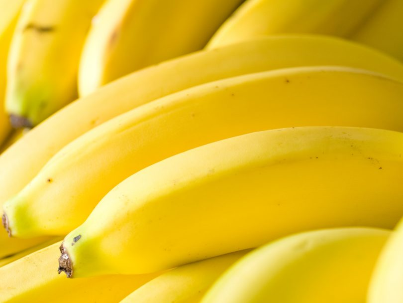 How to ripen fruit: bunch of ripe bananas