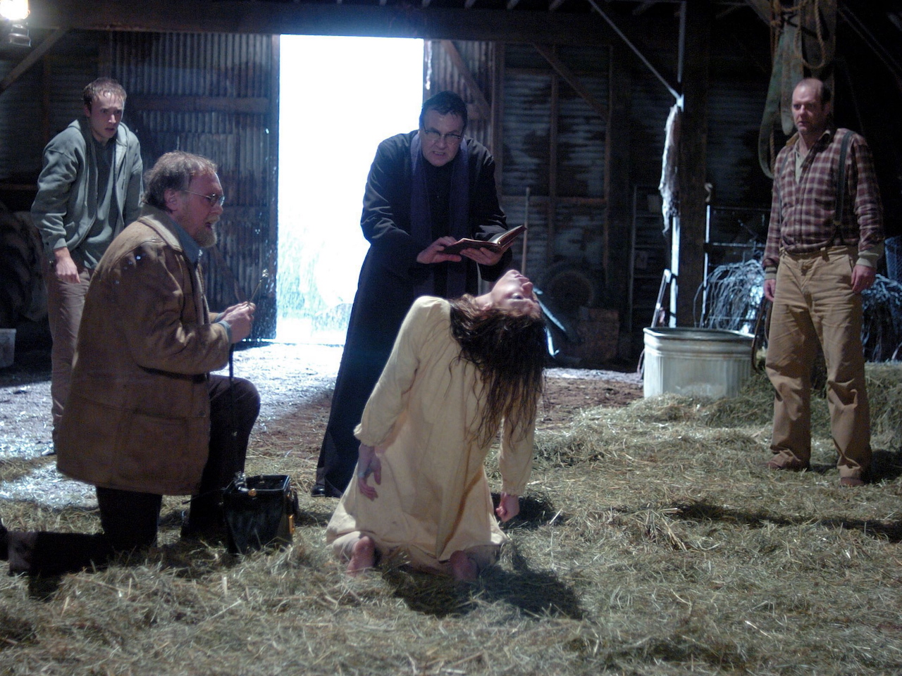 Netflix Horror 2018-The Exorcism of Emily Rose scene in a barn