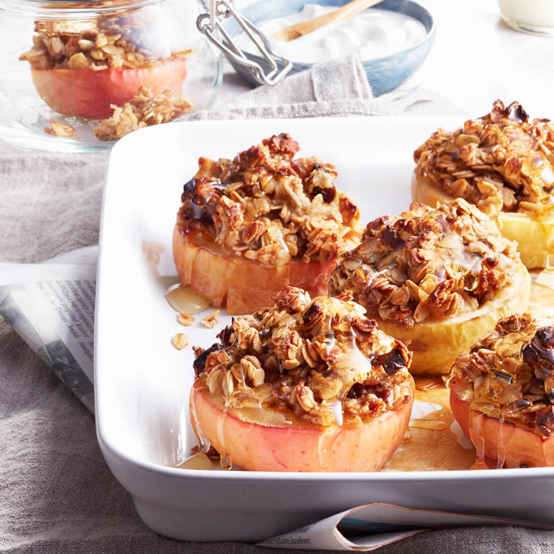 Oatmeal-stuffed apples