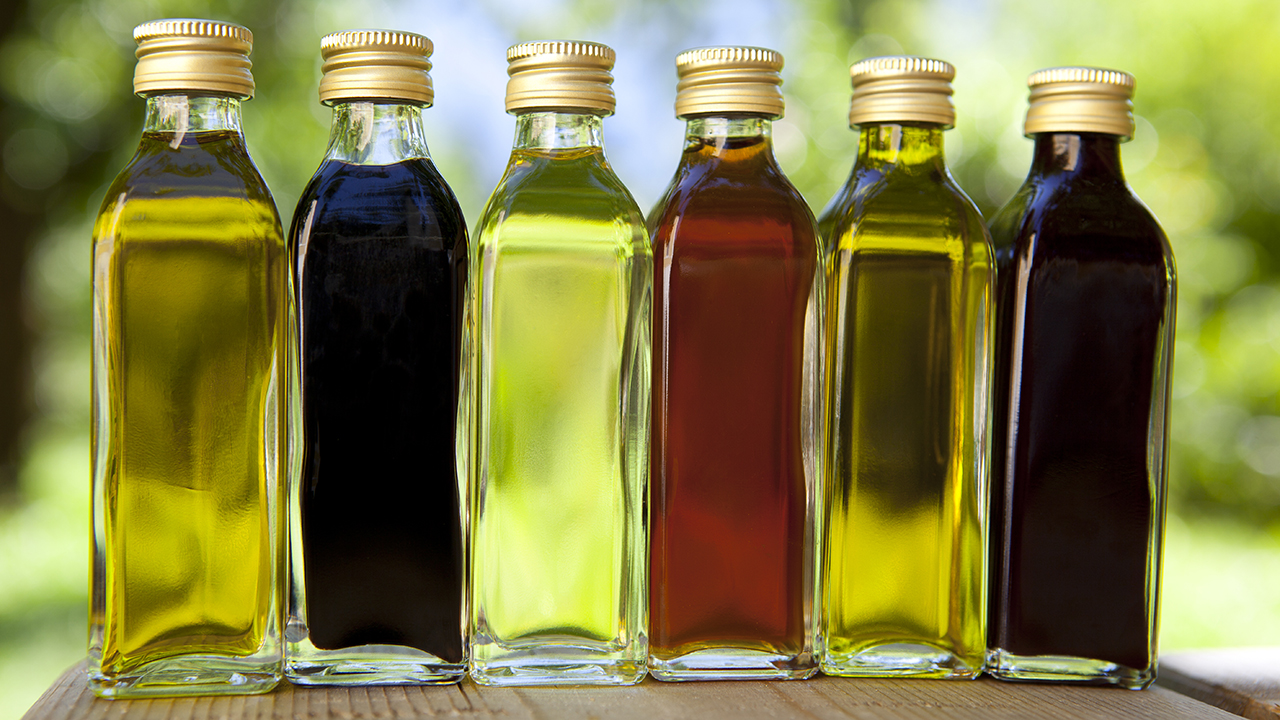 Different types of vinegars, from red wine to white wine to balsamic, for an FAQ