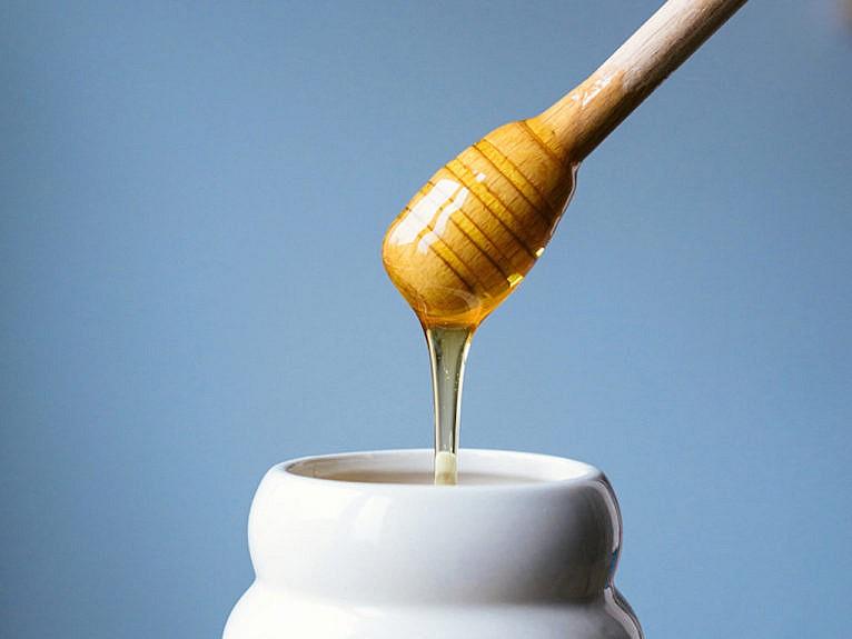 Pot of honey: How to decrystallize honey